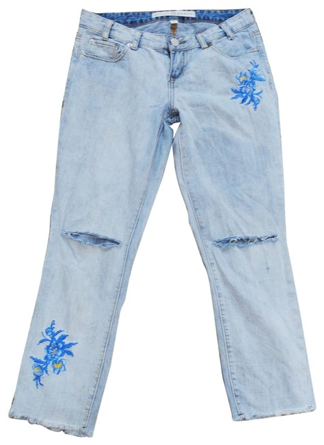 Item - Faded Light Blue Wash Capri/Cropped Jeans Size 25 (2, XS)