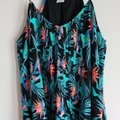 Time and Tru Black Hawaiin Print V-neck Mid-length Short Casual Dress Size 14 (L) Time and Tru Black Hawaiin Print V-neck Mid-length Short Casual Dress Size 14 (L) Image 3