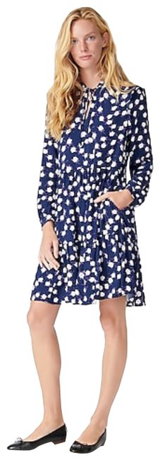 Item - Navy Violet Tie Neck Tiered Shirt In Scattered Peony Print Mid-length Cocktail Dress Size 10 (M)