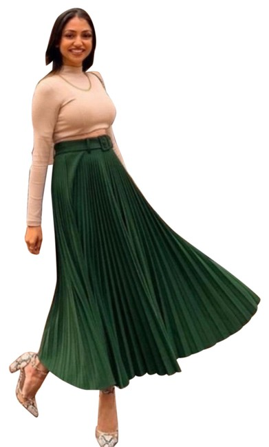 Item - Green Belted Pleated Skirt Size 6 (S, 28)