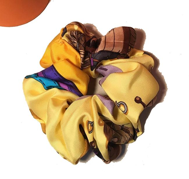 Hermès Yellow Vintage Handmade Ecuries Silk Scarf Scrunchie In Hair Accessory Hermès Yellow Vintage Handmade Ecuries Silk Scarf Scrunchie In Hair Accessory Image 1