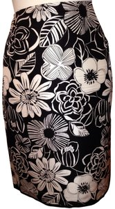 Grace Footwear Skirt Blk & White Silk