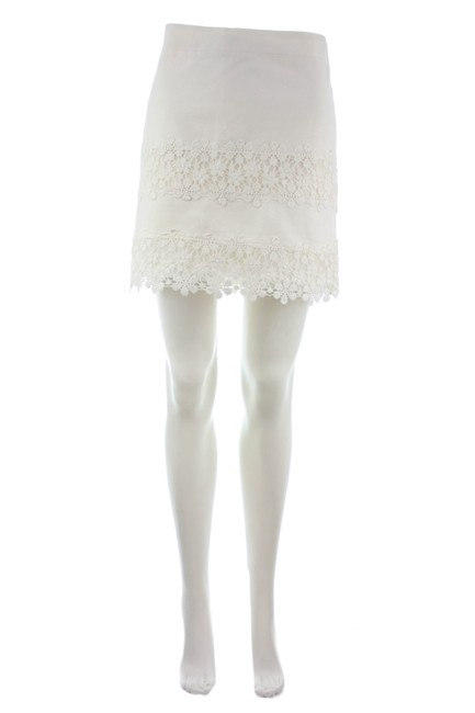 Item - White Daisy Lace Skirt Size 4 (S, 27)