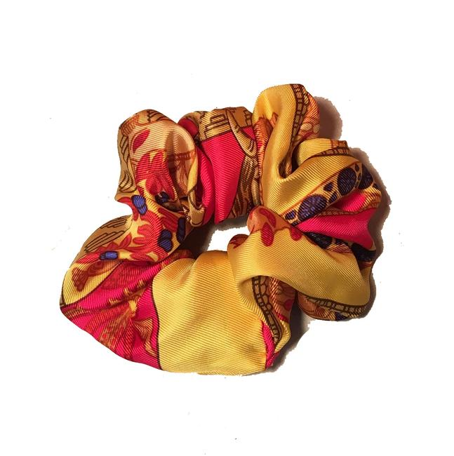 Hermès Yellow Handmade Torana Silk Scarf Scrunchie Hair Accessory Hermès Yellow Handmade Torana Silk Scarf Scrunchie Hair Accessory Image 1