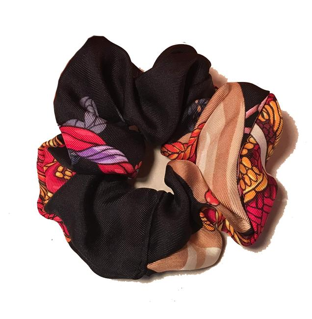 Item - Black Handmade Le Timbalier Silk Scarf Scrunchie Hair Accessory