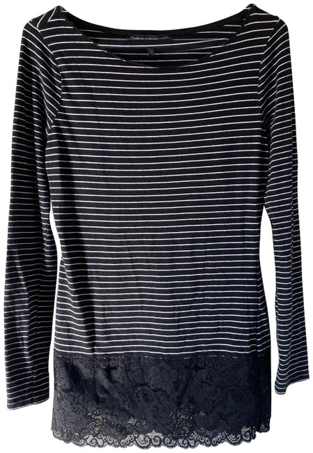 Item - Black/White Stripped Tunic Size 4 (S)