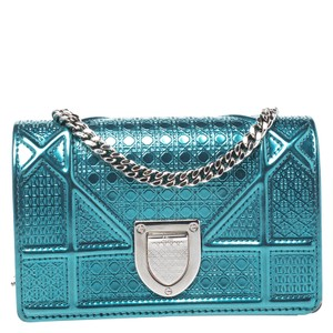 Item - Italy Green Patent Leather Shoulder Bag