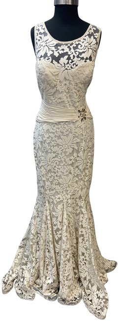 Item - Ivory Lace Mother Of The Bride Long Formal Dress Size 14 (L)