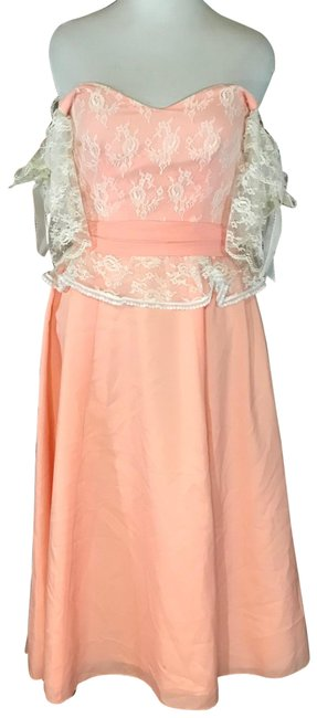 Item - Peach 1970's Party Mid-length Formal Dress Size 8 (M)