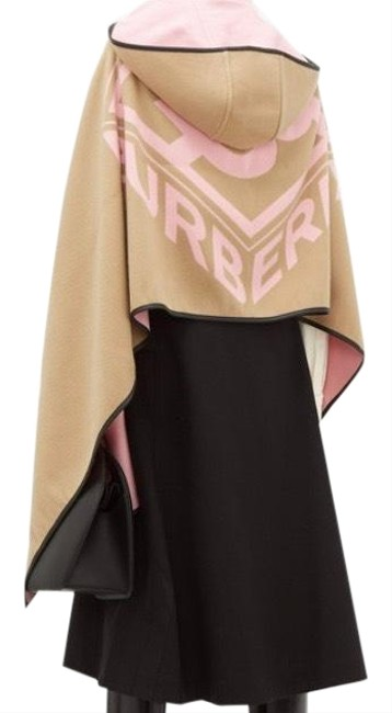 Item - Pink Beige Reversible Jacquard Logo Hooded Poncho/Cape Size OS (one size)