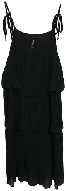 Item - Black Tiered Lbd Sleeveless Mid-length Cocktail Dress Size 6 (S)