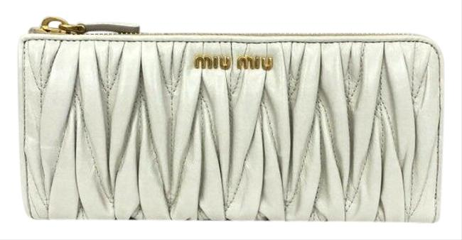 Item - White 5m1183 Materasse Gather L-shaped Zipper Long G Card Logo Ladies Wallet