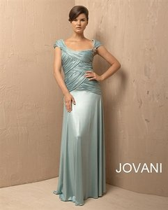 Jovani Seamist 1207 Formal Dress Size 16 (XL, Plus 0x)