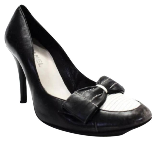 Item - Black Cream And White/Cream Leather In A Tuxedo Bow Pumps Size US 10.5 Regular (M, B)