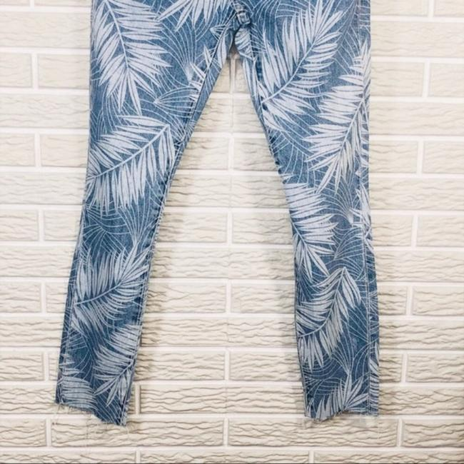 Current/Elliott Blue Light Wash Current/Elliott The Stiletto Palm Relaxed Fit Jeans Size 24 (0, XS) Current/Elliott Blue Light Wash Current/Elliott The Stiletto Palm Relaxed Fit Jeans Size 24 (0, XS) Image 7