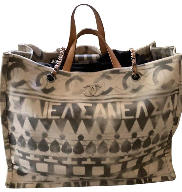 Item - Shopping Deauville Chain Large Iliad Beige White and Gray Canvas Tote