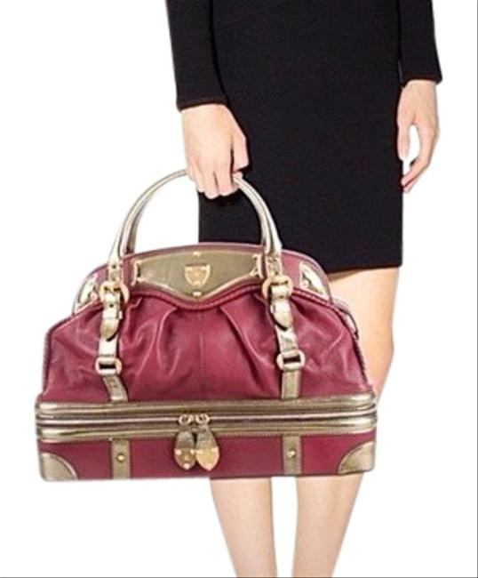 Alexander McQueen Trunk Case 1692 Never Used Mahogany (Burgandy) Gold Leather Weekend/Travel Bag Alexander McQueen Trunk Case 1692 Never Used Mahogany (Burgandy) Gold Leather Weekend/Travel Bag Image 1