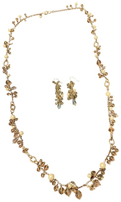Item - Crystal & Pearl Necklace/Earring Set Necklace