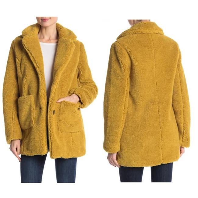 Sebby Golden Yellow Notched Lapel Faux Shearling Coat Size 12 (L) Sebby Golden Yellow Notched Lapel Faux Shearling Coat Size 12 (L) Image 1