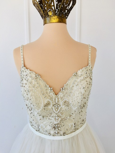 Item - Ivory Tulle Champagne Gown 6636 Traditional Wedding Dress Size 8 (M)