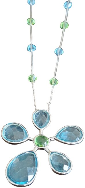 Item - Flower Water Lily Necklace