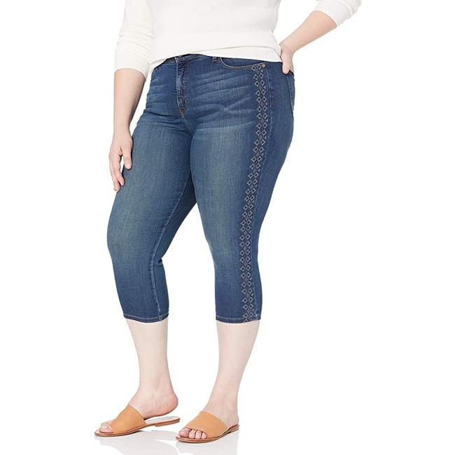 Item - Blue Light Wash Embroidered Alina Skinny Capri/Cropped Jeans Size 24 (Plus 2x)