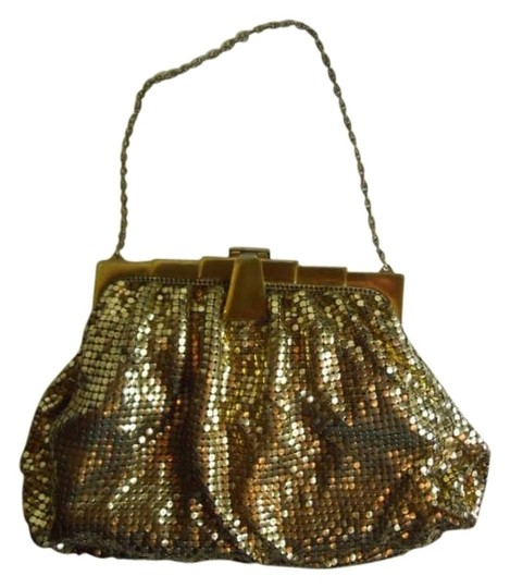 Preload https://item1.tradesy.com/images/whiting-and-davis-vintage-mesh-gold-metal-baguette-281840-0-0.jpg?width=440&height=440