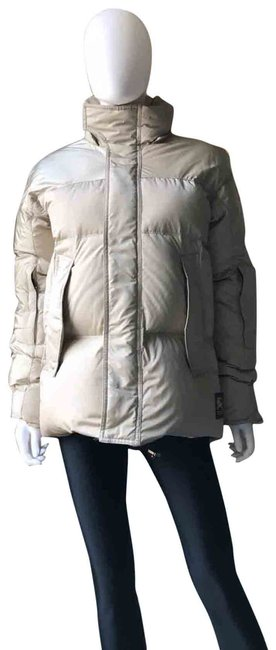 Burberry Beige Down Puffer Small Jacket Size 4 (S) Burberry Beige Down Puffer Small Jacket Size 4 (S) Image 1