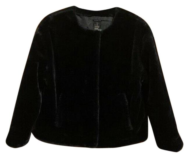 Item - Black Faux Fur Jacket Size 6 (S)
