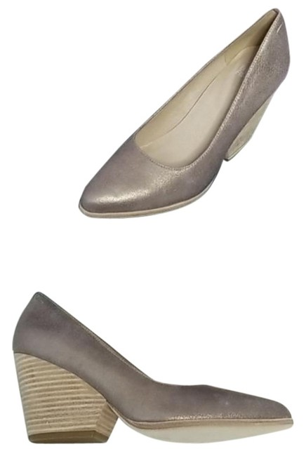 Item - Gold Tan Hawk Block Heel Pumps Size US 10 Regular (M, B)