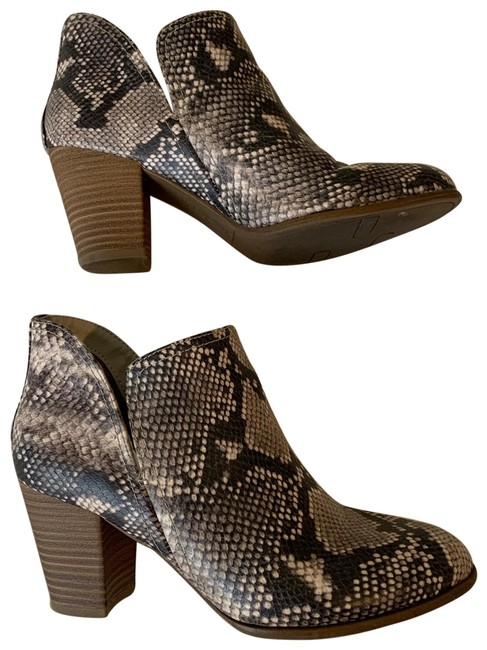 Fergalicious by Fergie Snakeskin Boots/Booties Size US 8.5 Regular (M, B) Fergalicious by Fergie Snakeskin Boots/Booties Size US 8.5 Regular (M, B) Image 1