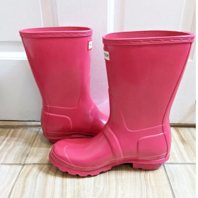 Item - Pink Hot Midi Rainboots Boots/Booties Size US 6 Regular (M, B)