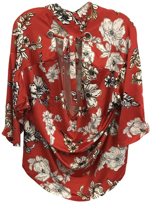 Item - Red Floral Short Sleeve Blouse Size 22 (Plus 2x)