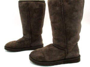 UGG Sheepskin Sheepskin Size 9 Brown Boots