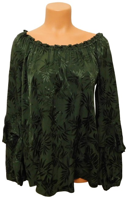 Item - Green A140 Embroidered Off-the-shoulder Peasant - M Blouse Size 8 (M)
