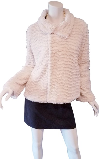 Item - White Woman Blanket Soft Polyester Zipper Snap Color Jacket Size 6 (S)