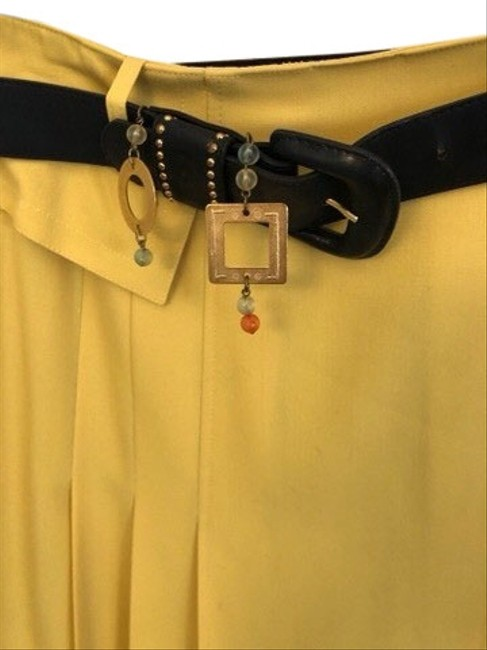 Item - Yellow With Belt Skirt Suit Size 10 (M)