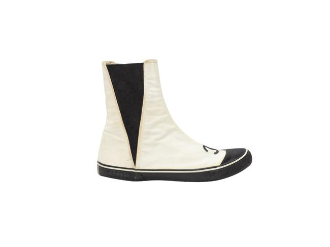 Item - White Vintage Black Cc Canvas Boots/Booties Size US 5.5 Regular (M, B)