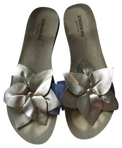 Emozioni Flower Beach Feminine Flat Gold Sandals