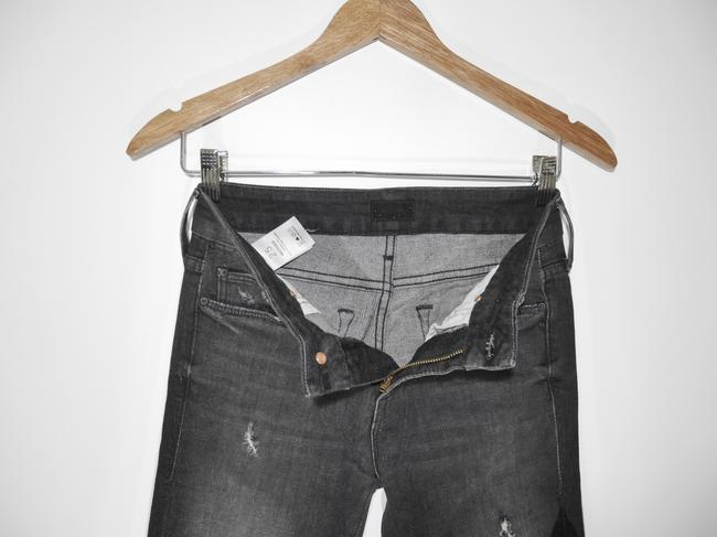 Mother Black Distressed Looker Ankle Snippet Raw Hem In Between A Rock and A Hard Place Skinny Jeans Size 25 (2, XS) Mother Black Distressed Looker Ankle Snippet Raw Hem In Between A Rock and A Hard Place Skinny Jeans Size 25 (2, XS) Image 5