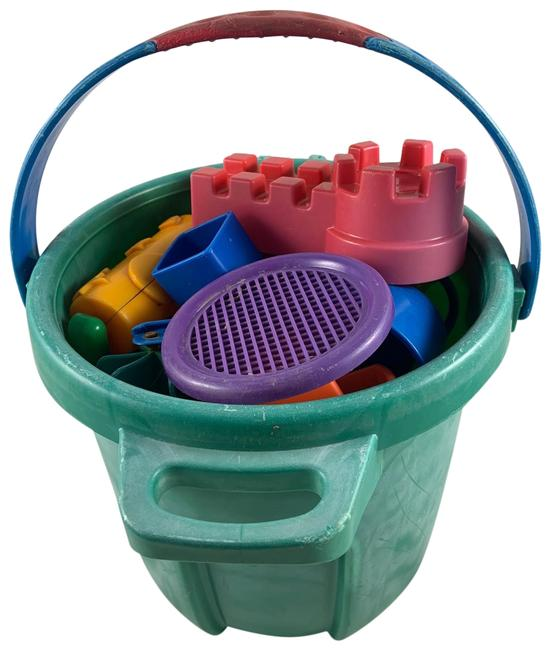 Item - Multi Colored Bucket 13 Pc Kids Of Sand Toys