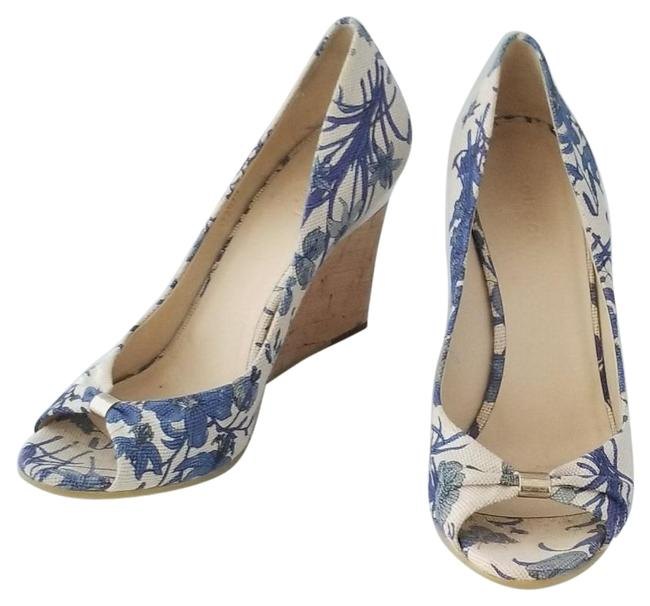 Item - Blue And Cream Floral Wedges Size US 8.5 Regular (M, B)