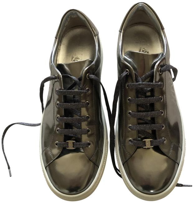 Item - Gold Leather Sneakers Size US 8.5 Wide (C, D)