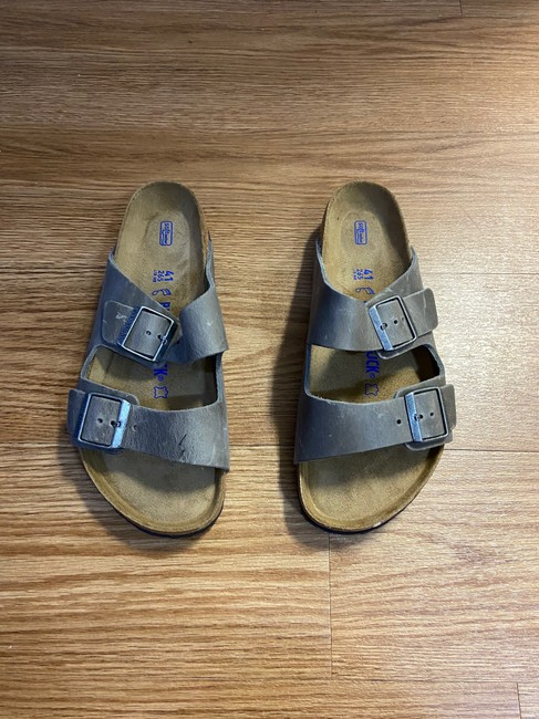 Item - Grey Arizona Soft Footbed Sandals Size EU 41 (Approx. US 11) Regular (M, B)