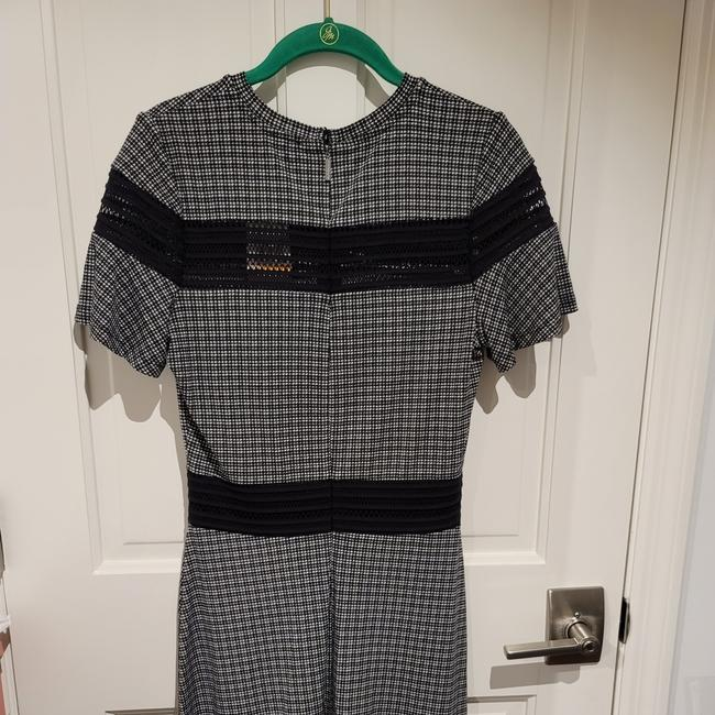 Item - Black and White W6 Mid-length Short Casual Dress Size 4 (S)