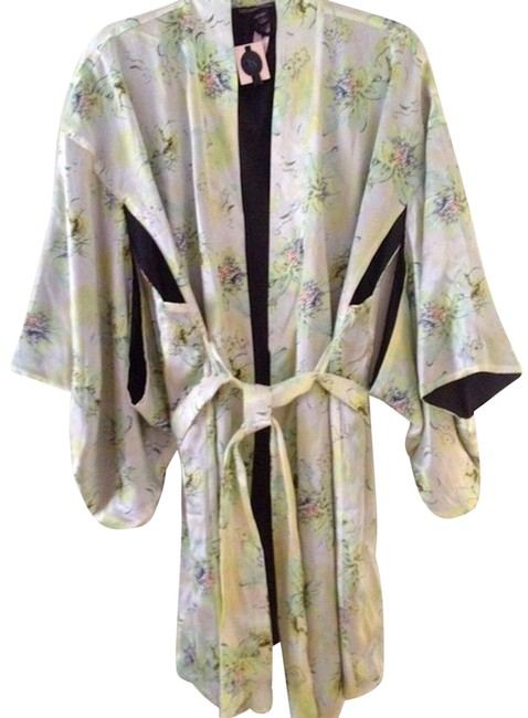 Item - Cream Kimono L Vs Designer Collection Fantasy Island Silk M/L Cardigan Size 12 (L)