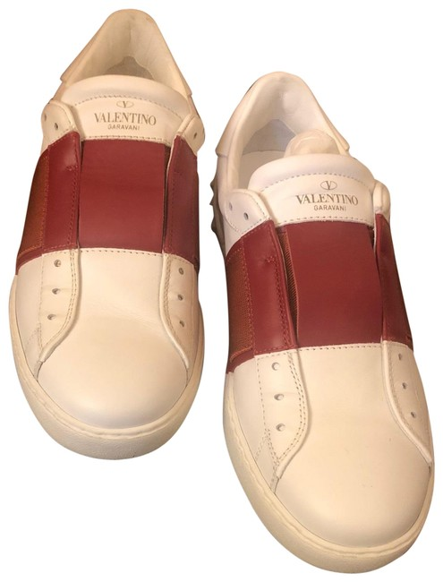 Item - White and Red Contrast-band Sneakers Size EU 39 (Approx. US 9) Regular (M, B)