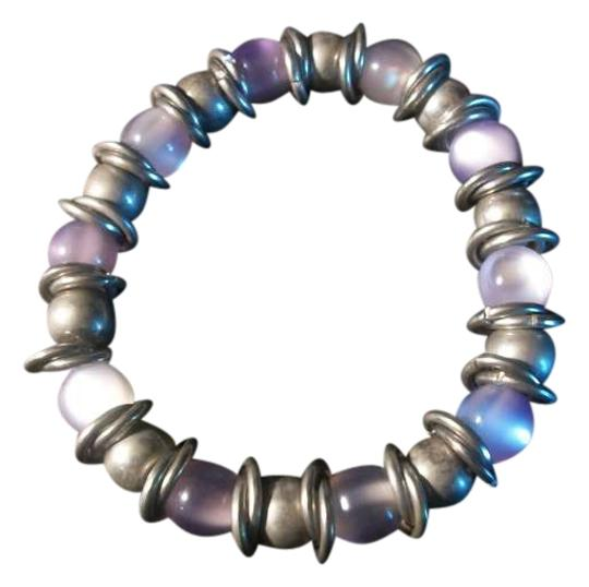Preload https://img-static.tradesy.com/item/282390/purple-beads-bracelet-0-0-540-540.jpg
