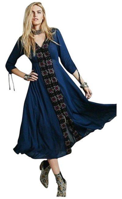 Item - Blue Embroidered Midi Mid-length Casual Maxi Dress Size 6 (S)