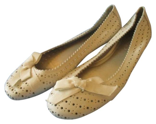 Item - Cream Eyelet Perforated Bow Accent Ballet Flats Pumps Size US 6 Regular (M, B)